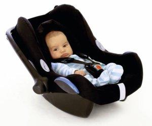 fotelik samochodowy pozycja siedząca niemowlę krzywy kręgosłup