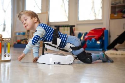Krabat Pilot do czworakowania – raczkowanie dzieci z niepełnosprawnością