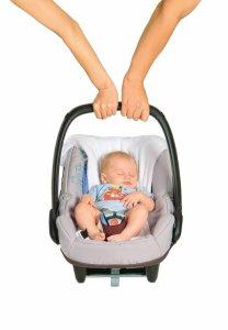 fotelik samochodowy dla niemowlęcia dobra pozycja niewygoda skrzywienie kręgosłupa